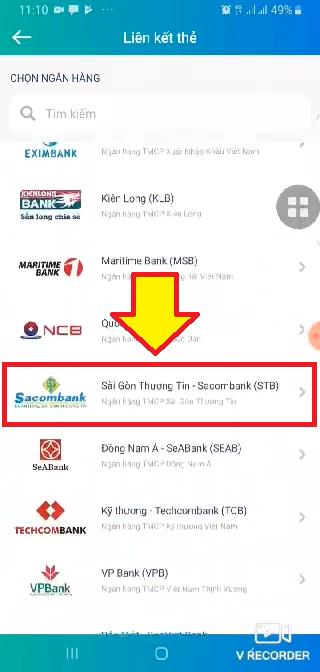 Bước 3: Chọn ngân hàng SacomBank để liên kết